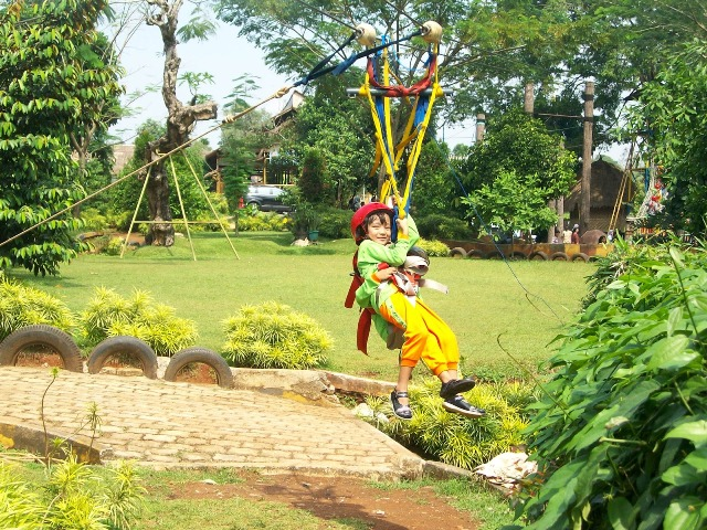 Flying fox di Telaga Arwana Cibubur