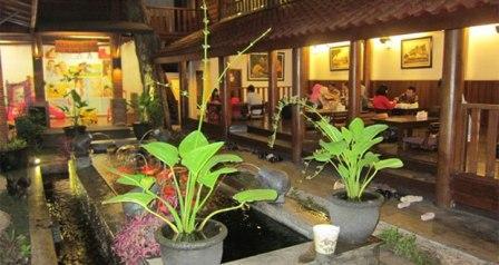 Harmoni Resto Cafe Malang