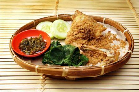 Kuliner Semarang Ayam Goreng Lombok Ijo