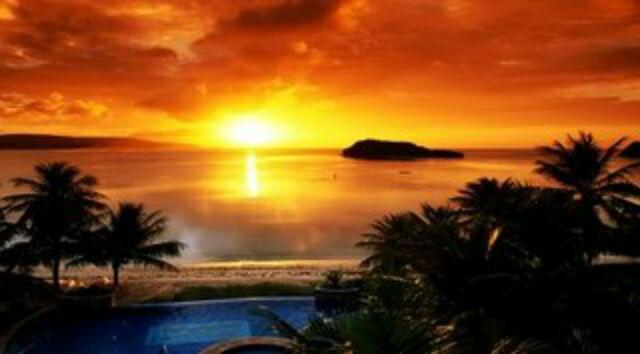 Menikmati Sunset Pantai Carita di Banten