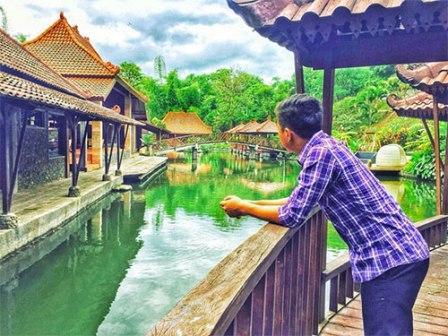 Pondok Desa Kampung Telaga Malang