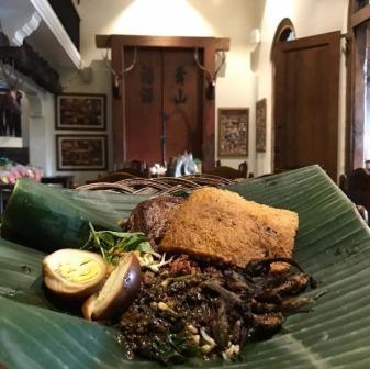 36 Tempat Wisata Kuliner Solo Yang Paling Terkenal Wajib Dicoba