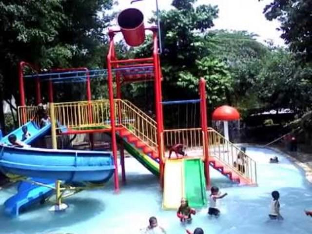 Waterpark Telaga Arwana Cibubur