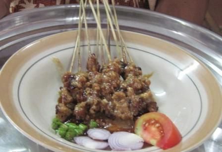 Wisata Kuliner di Tawangmangu Sate Kelinci