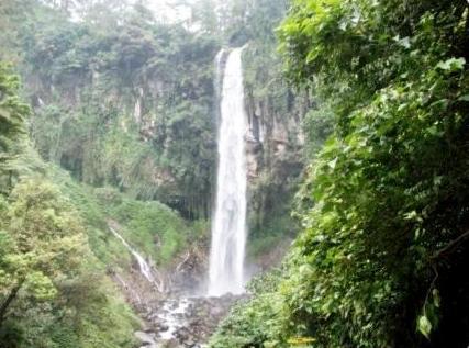 Wisata Tawangmangu Air Terjun Pringgodani
