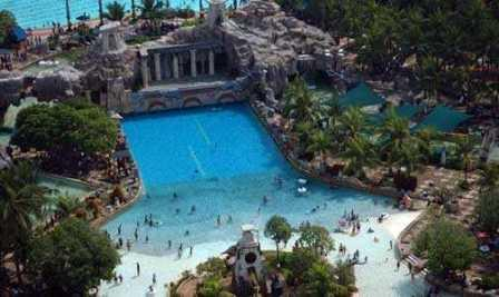 Liburan ke Atlantis Water Adventure