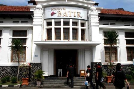 Mengunjungi Museum Batik Pekalongan