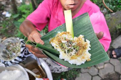 Nasi Tepeng Khas Bali