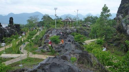 Objek Wisata Hutan Kota Mayasih Kuningan