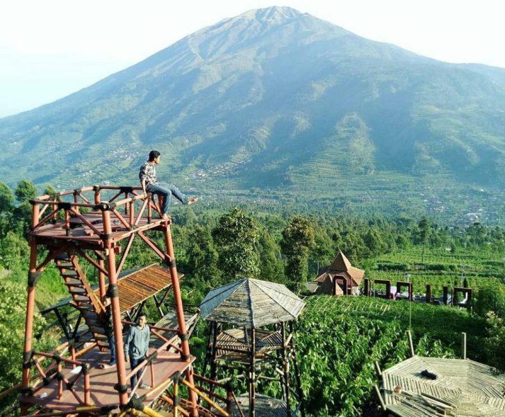 Objek Wisata Oemah Bamboo Merapi