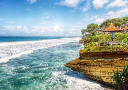 Objek Wisata Pantai Batu Hiu Pangandaran