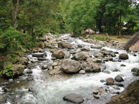Tempat Rekreasi Keluarga Linggo Asri di Pekalongan