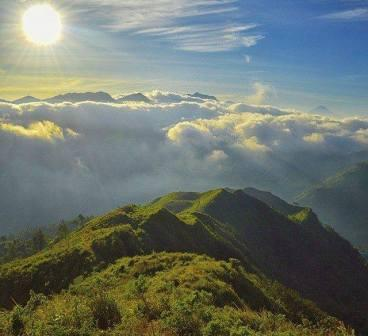Tempat Wisata Bukit Pawuluhan di Pekalongan