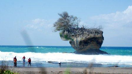 Tempat Wisata Pantai Madasari Pangandaran