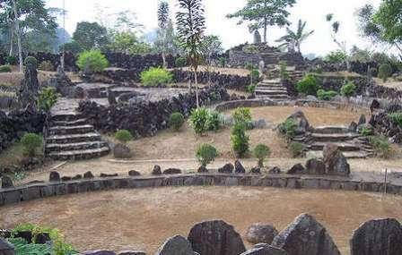 Tempat Wisata Sejarah Situs Purbakala Cipari Kuningan