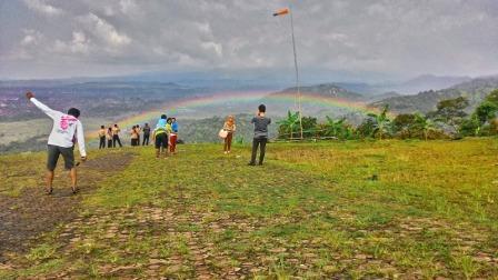 Wisata Paralayang Gunung Panten