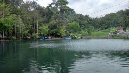 Wisata Situ Cipadung Desa Pajajar