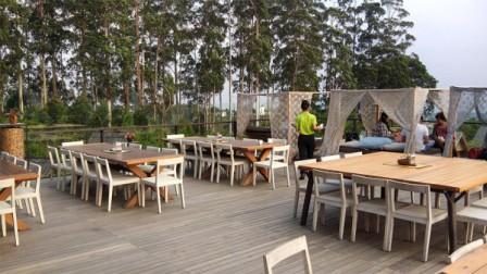 Burangrang Restaurant & Cafe di Dusun Bambu Lembang