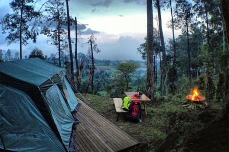 Camping di Dusun Bambu Lembang