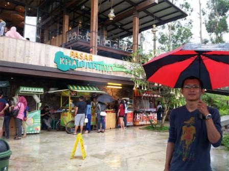 Pasar Khatulistiwa di Dusun Bambu Lembang
