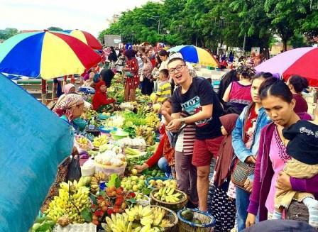 Pasar Terapung Siring Sungai Martapura