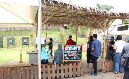 Permainan Memanah Dusun Bambu