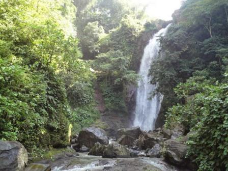 Wisata Air Terjun Manggisan Lumajang