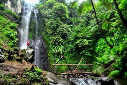 Wisata Air Terjun Watu Lapis Lumajang