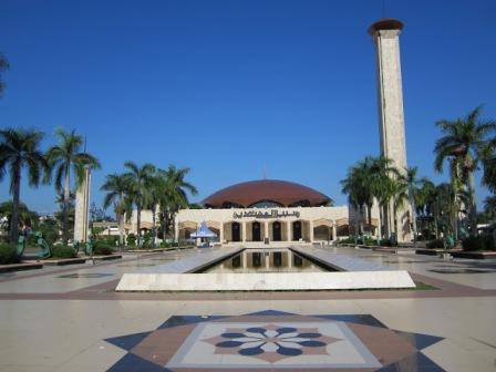 Wisata Religi ke Masjid Sabilal Muhtadin Banjarmasin