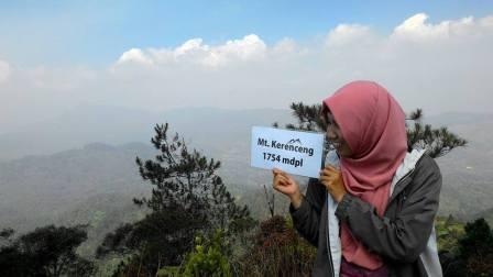Wisata ke Gunung Kerenceng Sumedang
