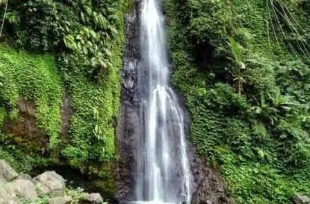 Air Terjun Gonggomino Colo kudus
