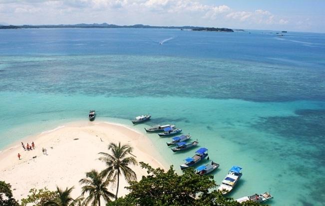 24 Tempat Wisata Di Belitung Yang Tidak Boleh Anda Lewatkan