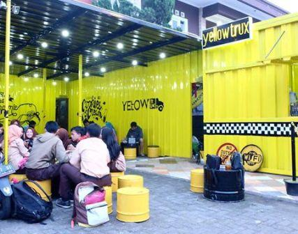 Yellow Trux - tempat nongkrong di Bogor