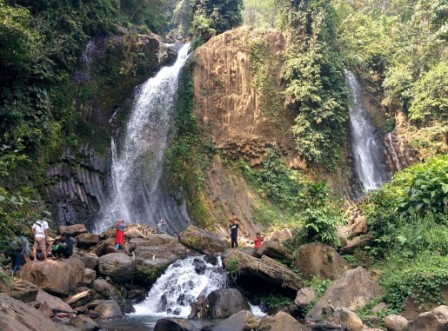 Air Terjun Lembah Pelangi