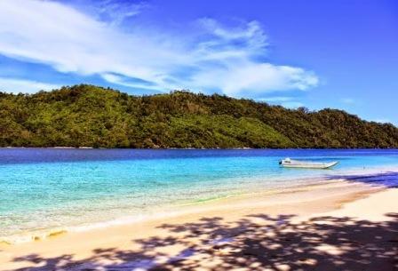 Pantai Teluk Kiluan