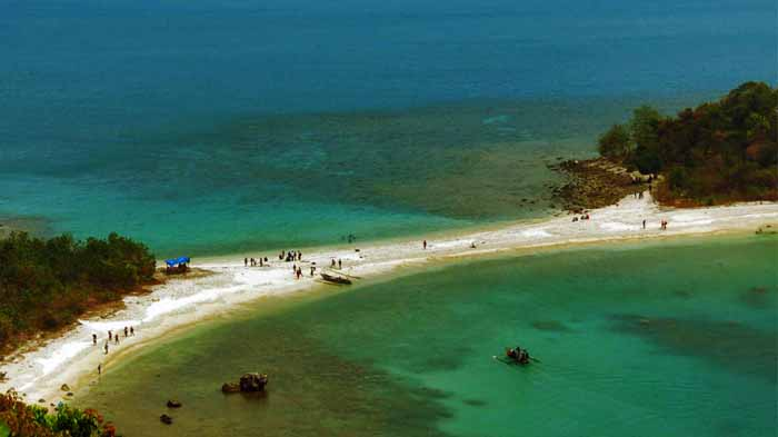 Pulau Mengkudu dan Pulau Sekepel via Lampungco