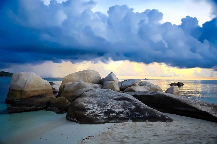 Pulau Pendam via IG @himsaifanah