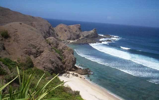 Liburan ke Pantai Kuta Lombok