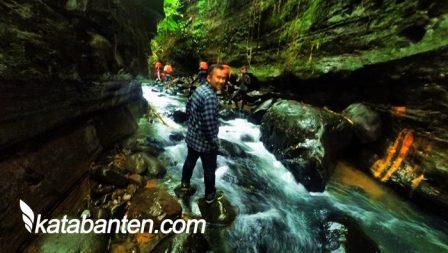 Taman Hutan Raya Banten Via Katabanten