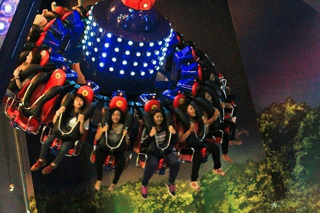 Giant Swing Trans Studio Bandung
