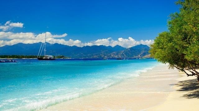 keindahan Pantai Senggigi