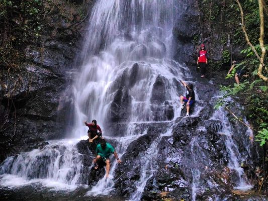 Air Terjun Sarasah Murai Gantiang - tempat wisata di Payakumbuh