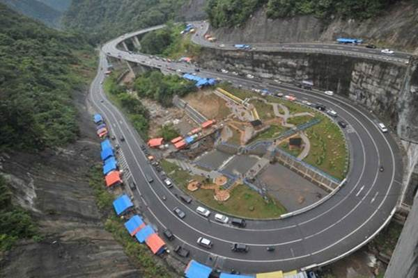 Jembatan Kelok Sembilan - tempat wisata di Payakumbuh