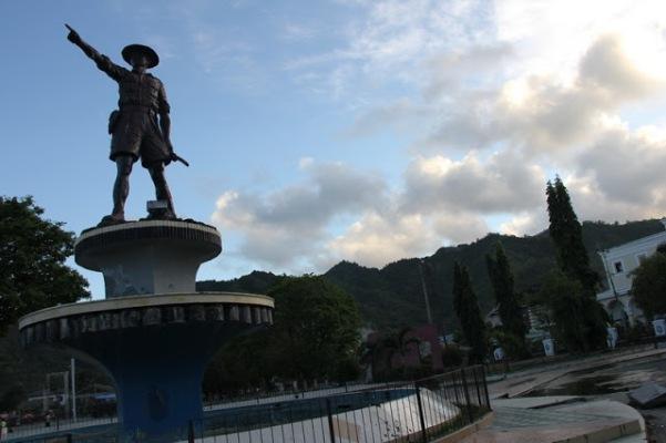 Monumen Nani Wartabone