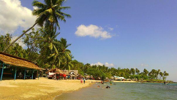 Pantai Botutonuo