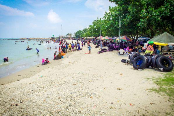 Pantai Delegan via panduanwisata