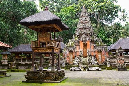 Puri Dalem Agung Padangtegal via M-kuta