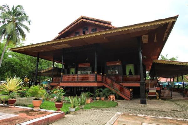 Tempat Wisata Rumah Adat Gorontalo