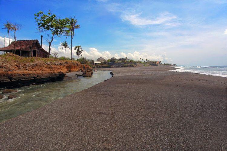 Wisata Pantai Secret Ketewel