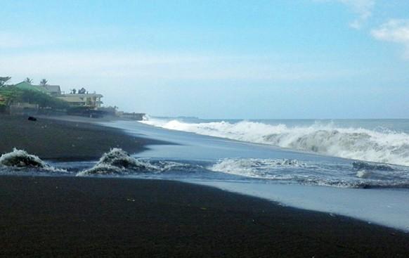 Wisata Pantai Siyut